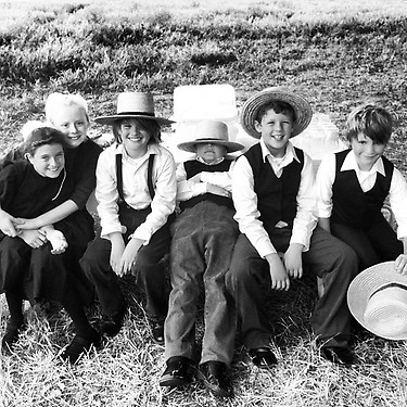 'Banshee' - Amish kids