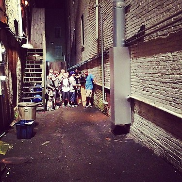 """Late night alley shooting #WTM"", tweeted by 'We're the Millers' star Emma Roberts."