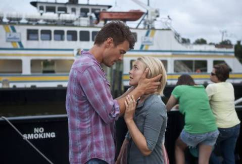 Josh Duhamel and Julianne Hough star in 'Safe Haven'.(Photo: James Bridges/RelativityMedia)