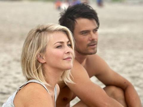 Julianne Hough and Josh Duhamel play a couple thrown together by fate. (Photo: James Bridges/RelativityMedia)