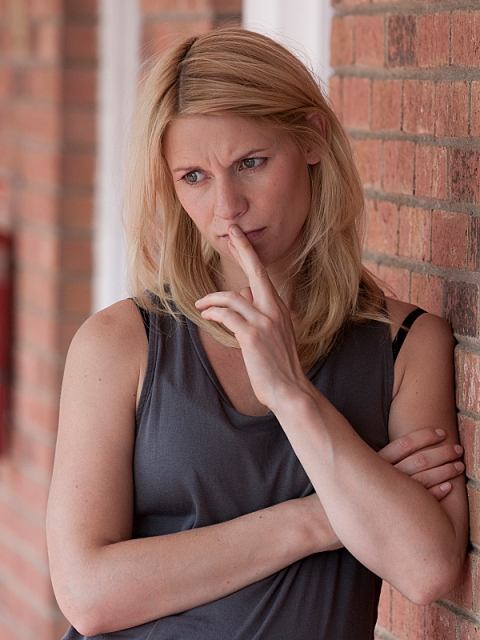 Claire Danes as Carrie Mathison in Homeland (Season 2, Episode 8). (photo: Kent Smith/Showtime)