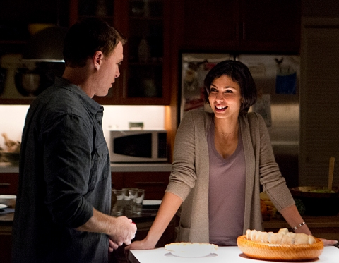 Morena Baccarin as Jessica Brody and Diego Klattenhoff as Mike Faber in Homeland (Season 2, Episode 8). (photo: Kent Smith/Showtime)