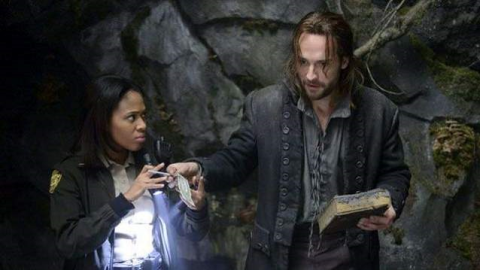 'Sleepy Hollow' stars Nicole Beharie and Tom Mison as Ichabod Crane. (photo: Brownie Harris/FOX)